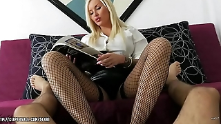 Jarushka Ross - Ignoring Footjob Therapy