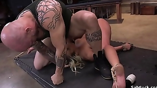 Blonde tests sustaining in bondage sex