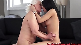 Granny loves to be queened away from younger babe